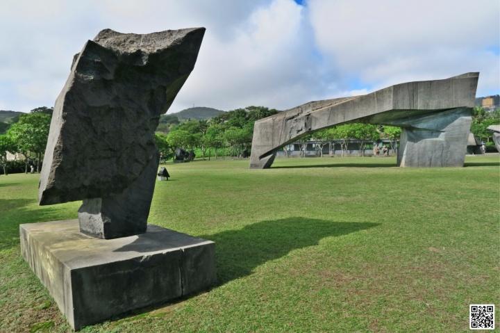 2001 太極系列 - 太極拱門 TaiChi series - Taichi Arch / Bronze 青銅 / 1520×620×590 cm